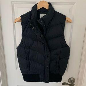 Forever 21 Women's Black Puffer Vest